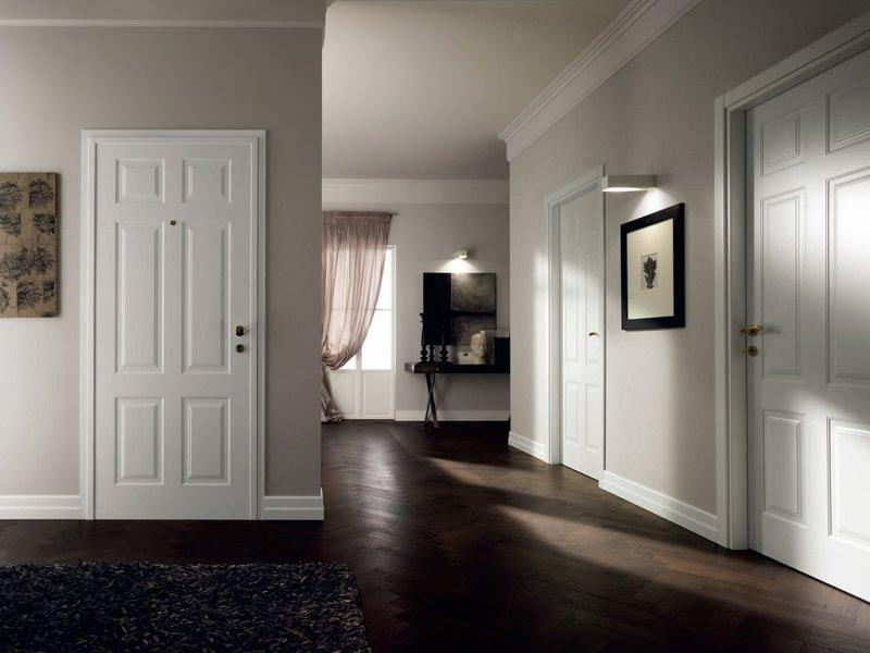 темные полы и светлые двери в интерьере фото
